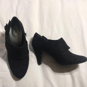 Black bootie heel